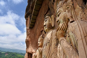 Maijishan Grottoes Day Tour by Bullet Train from Xian