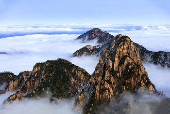 4 Days Huangshan Winter Vacation Tour with Hot Spring