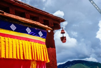 Learn Tibetan Culture through Their Festivals